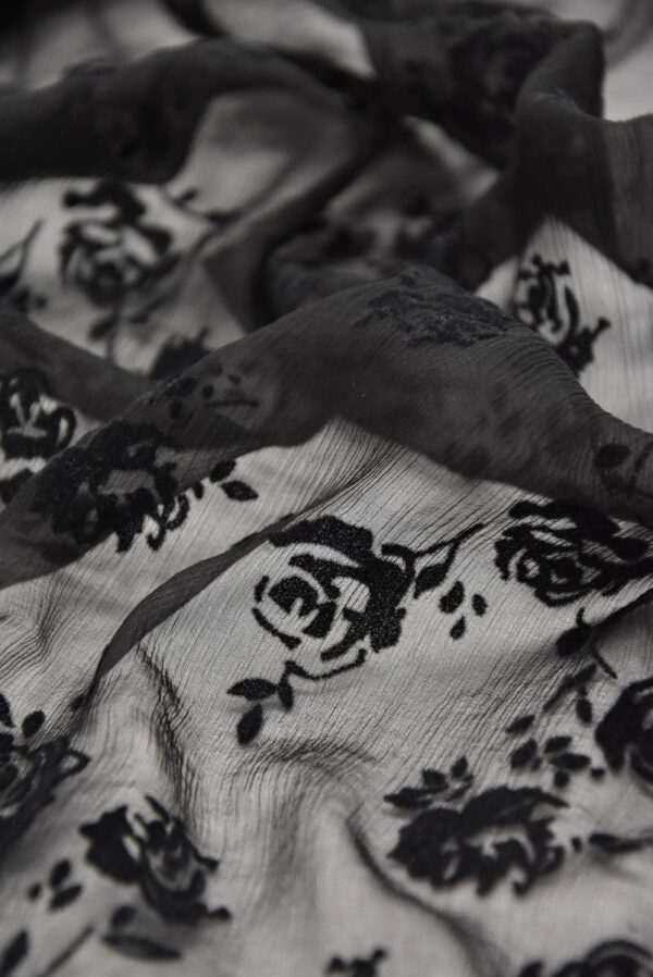 Шифон шелк Деворе креш черный с розами (3322) - Фото 7