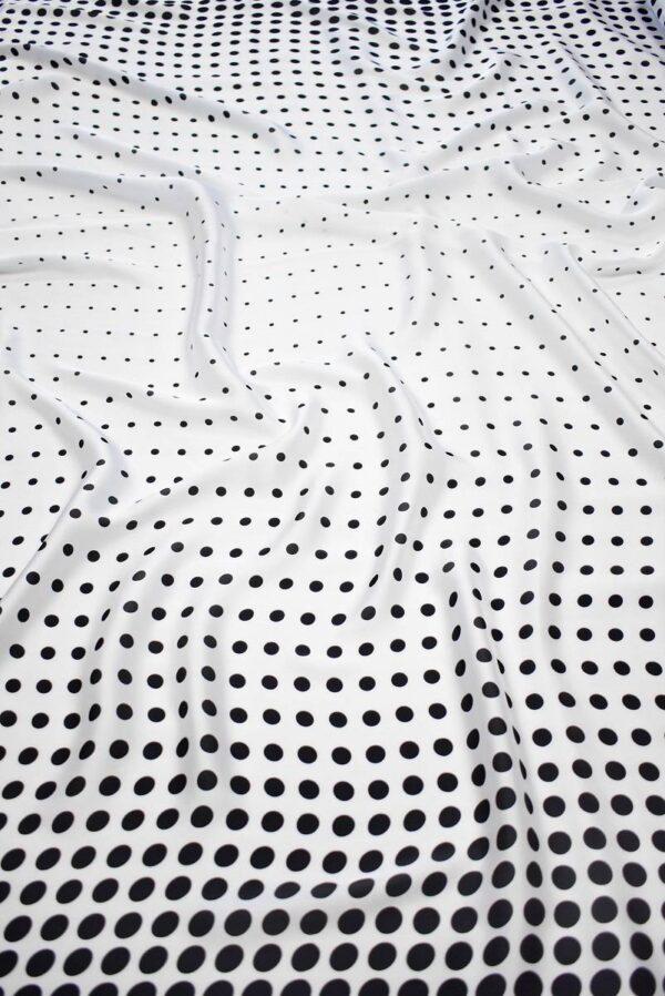 Атлас белый в черный горох (7386) - Фото 6