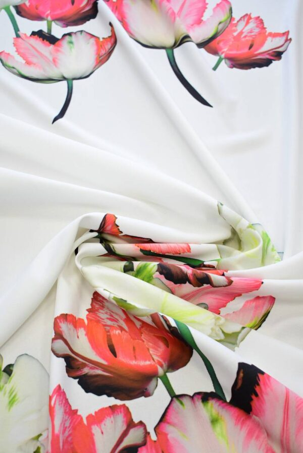 Креп с купоном красные тюльпаны на молочном (7738) - Фото 8