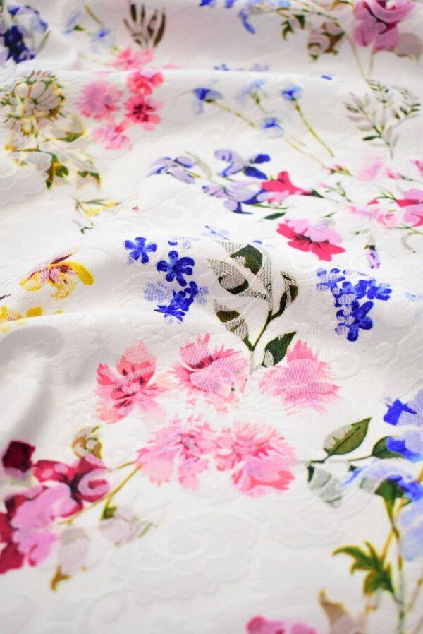Матлассе стрейч в мелкий цветочек