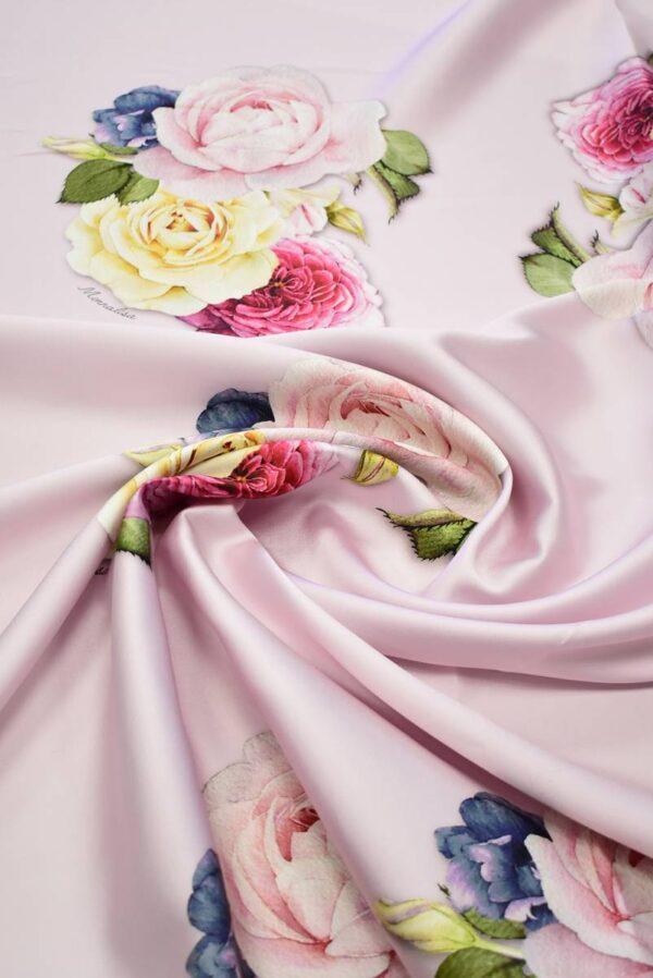 Микадо с розами на светлом фоне_03