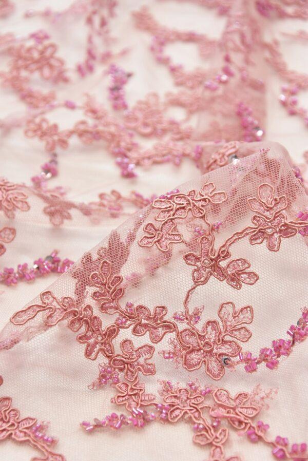 Вышивка на сетке флористический узор бисером и стеклярусом (2004) - Фото 9