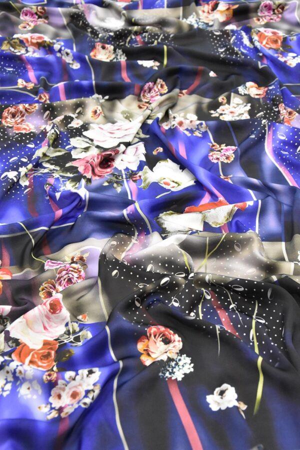 Атлас с цветами и полоской на синем фоне (2079) - Фото 6