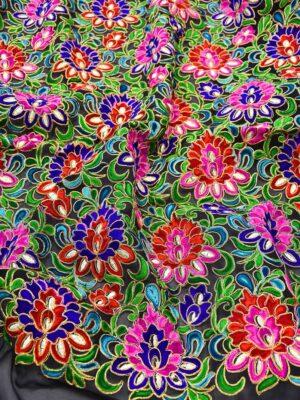 Вышивка на шифоне разноцветные цветы на черном (3543) - Фото 10