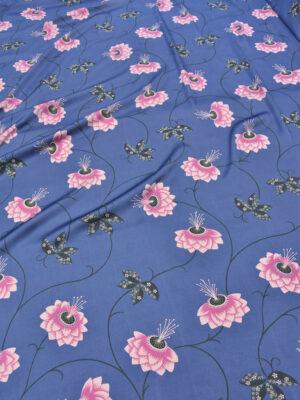 Креп плательный синего оттенка с розовыми цветами (5348) - Фото 16