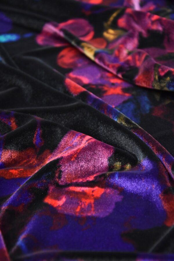 Бархат стрейч черный с красными и розовыми цветами (5411) - Фото 9