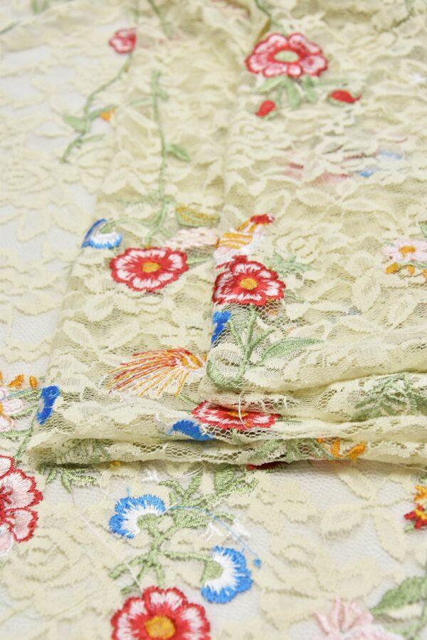 Гипюр с вышивкой Садовые цветочки на ванильном (5554) - Фото 10