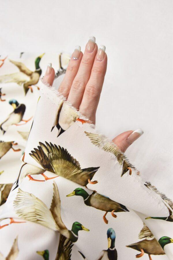 Шелковый креп стрейч утки на белом (6084) - Фото 11