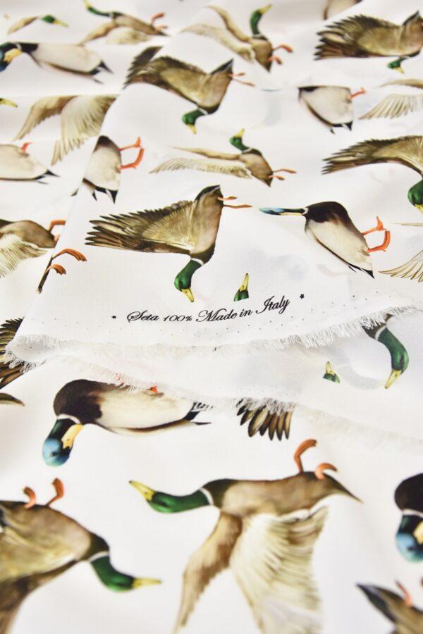 Шелковый креп стрейч утки на белом (6084) - Фото 9