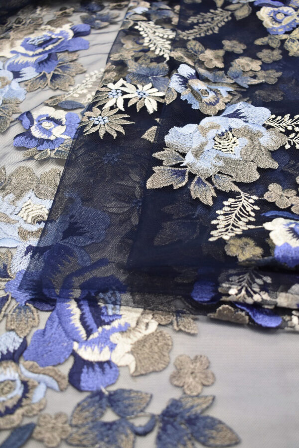 Вышивка на сетке бежевые и синие цветы (6614) - Фото 9