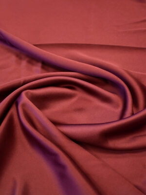 Атлас плательный бордового оттенка (7585) - Фото 15