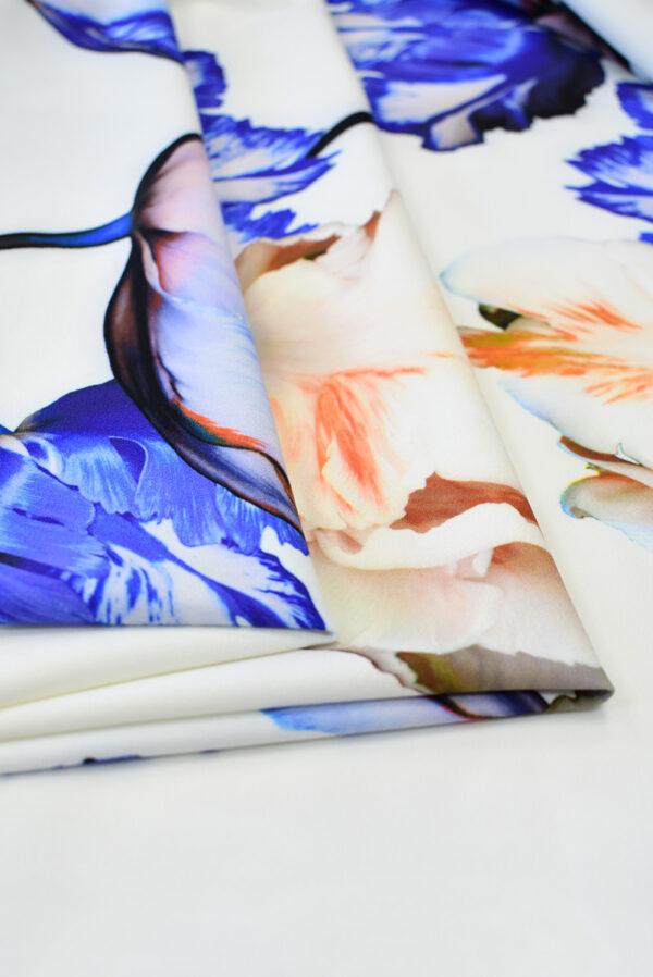 Креп с купоном синие тюльпаны на молочном (7736) - Фото 7