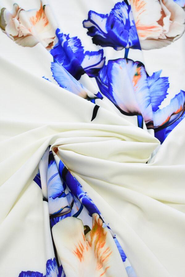 Креп с купоном синие тюльпаны на молочном (7736) - Фото 8