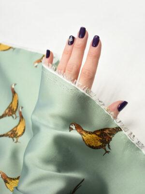 Атлас мятный с фазанами (7867) - Фото 12