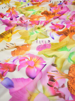 Батист крупные лилии и плюмерии на светлом фоне (8390) - Фото 15