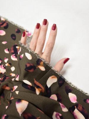 Штапель стрейч коричневый с лепестками роз (8426) - Фото 18
