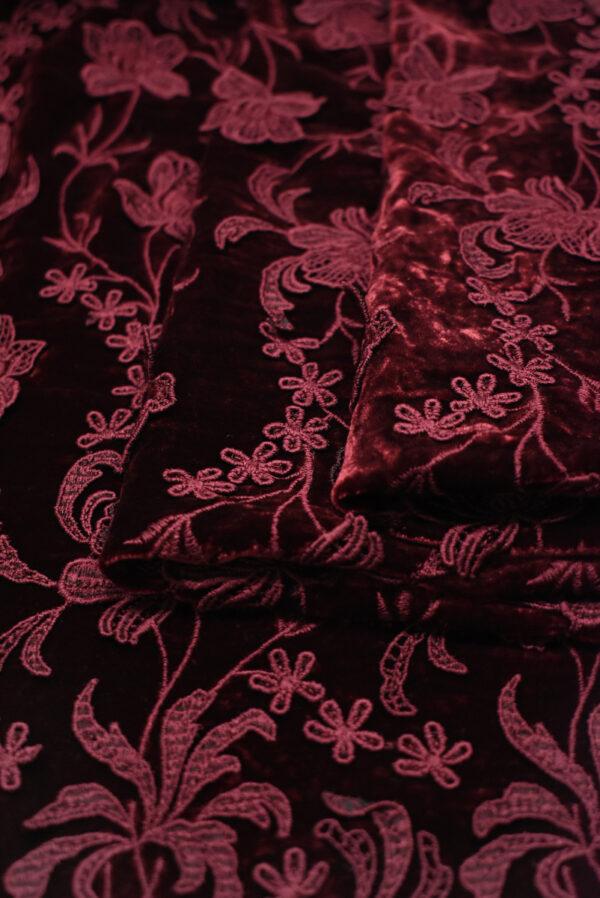 Бархат шелковый бордовый с цветами (8845) - Фото 8