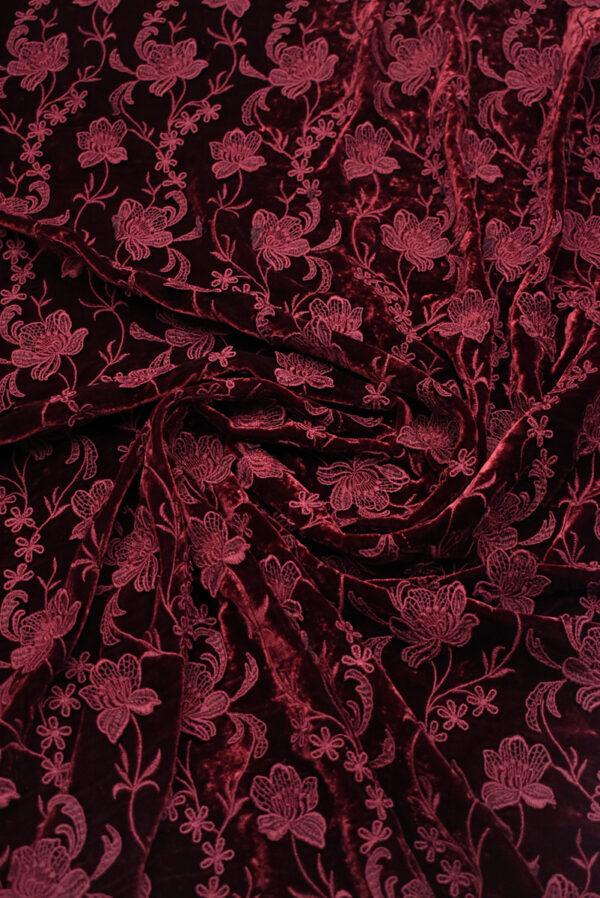 Бархат шелковый бордовый с цветами (8845) - Фото 10