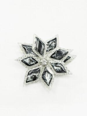 Брошь серый 3Д цветок с мелкими стразами