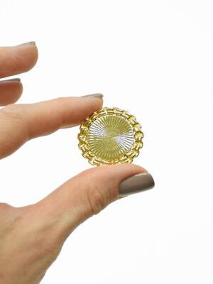 Пуговица металлическая золотая с каемкой 1