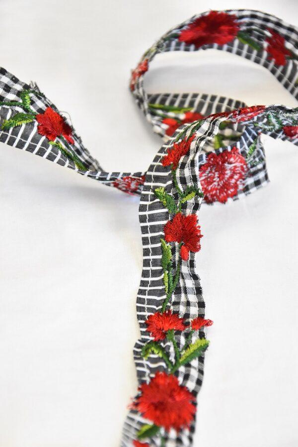 Тесьма в мелкую клетку с вышивкой красные цветы (t0503) т-14 - Фото 9