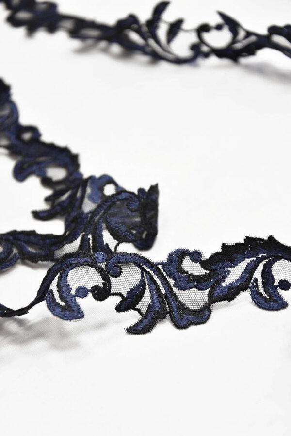 Кружевная тесьма синяя с черным в цветочек 1