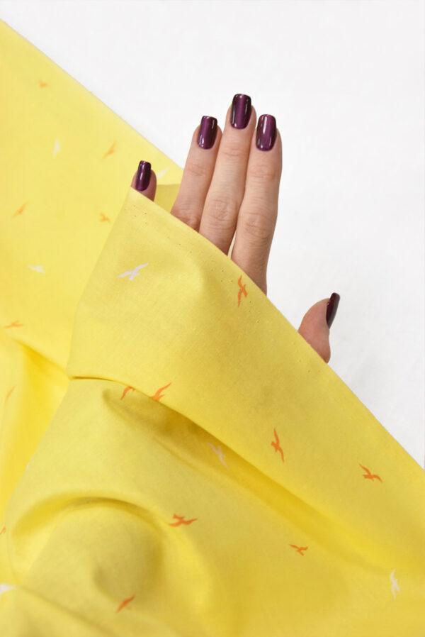 Хлопок насыщенный желтый с мелкими птичками (5146) - Фото 9