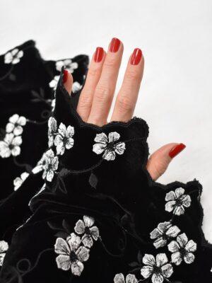 Бархат шелковый с вышивкой черный с белыми цветами (6783) - Фото 15