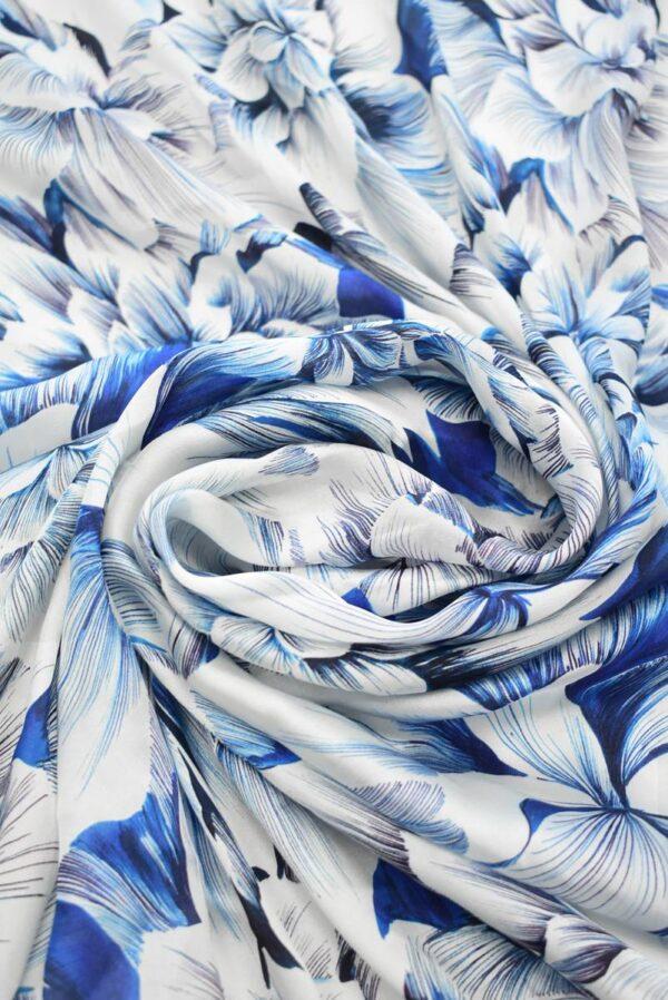 Шелк белый с синими и голубыми цветами (9098) - Фото 8