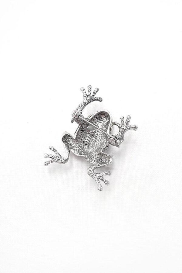 Брошь металл серебро лягушка со стразами 1