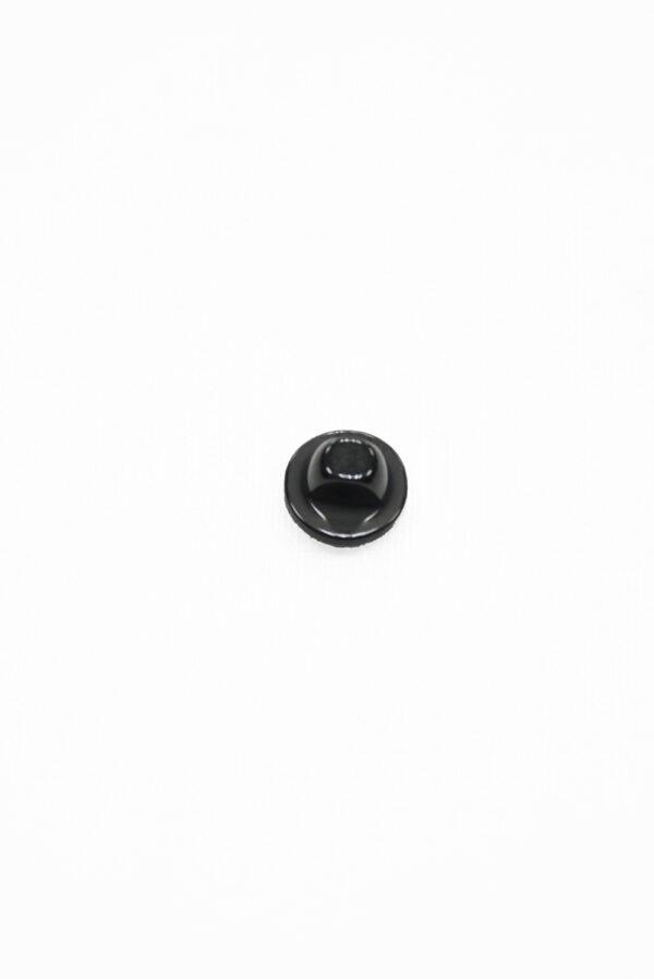 Пуговица пластик маленькая черная на ножке 1