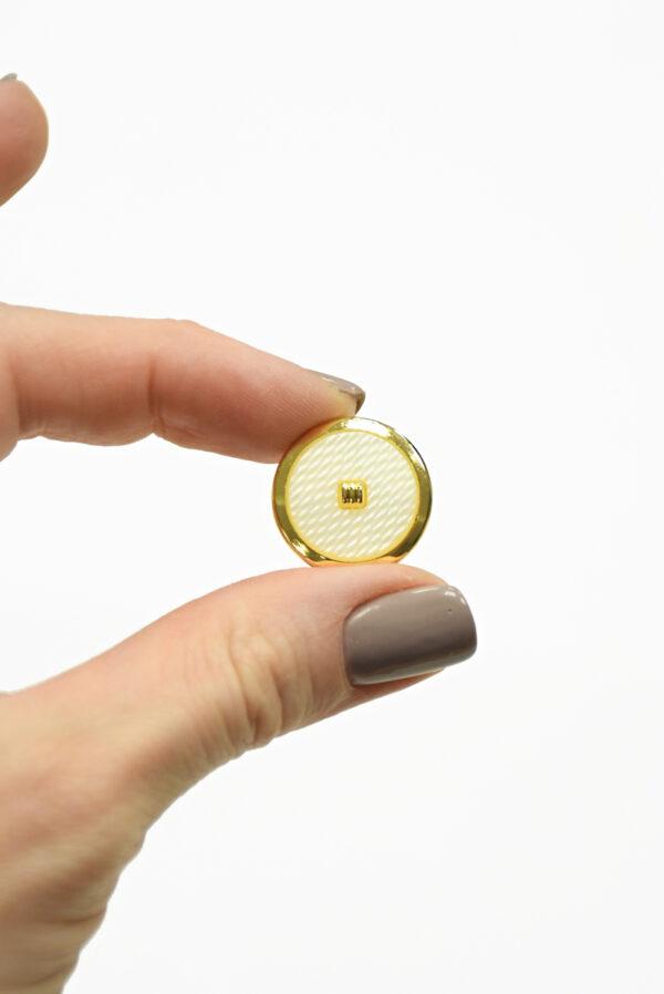 Пуговицы пластик белые с золотой окантовкой 1