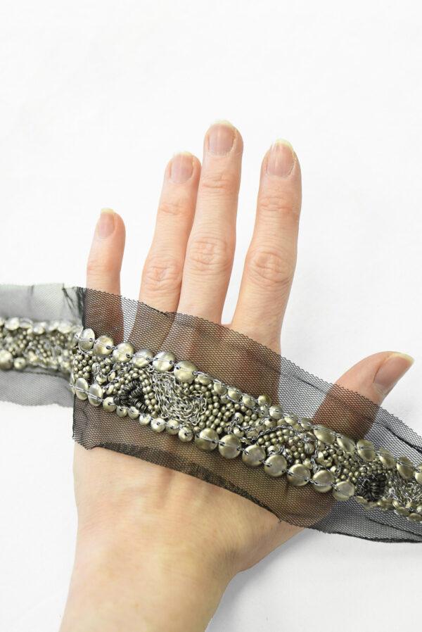 Тесьма с серебристыми бусинами и цепью на черной сетке (t0118) К-8 - Фото 7