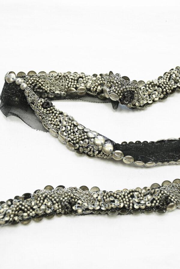 Тесьма с серебристыми бусинами и цепью на черной сетке (t0118) К-8 - Фото 10