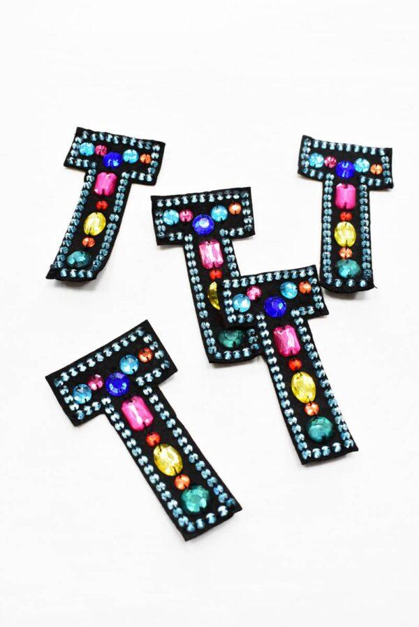 Аппликация пришивная буква Т с разноцветными камнями (t0782) А-1 - Фото 7