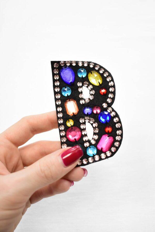 Аппликация пришивная буква В с разноцветными камнями (t0783) - Фото 8
