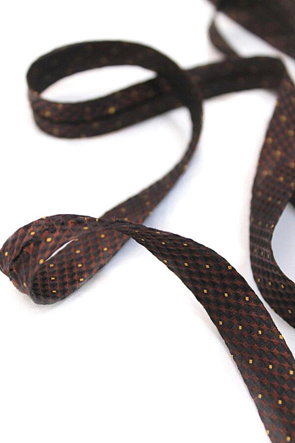 Косая бейка коричневая с рисунком в квадратик (t0035) т-8 - Фото 6