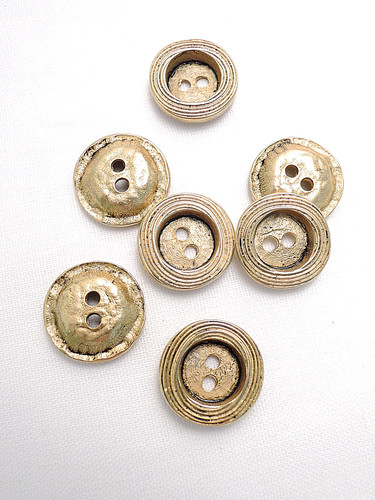 Пуговица металлическая старое золото малая (p0121) к1 - Фото 8