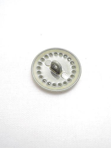 Пуговица металл эмаль молочного оттенка (p0193) к14н - Фото 7