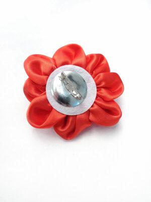 Брошь цветок из атласа красного оттенка с металлической булавкой (p0230) - Фото 13