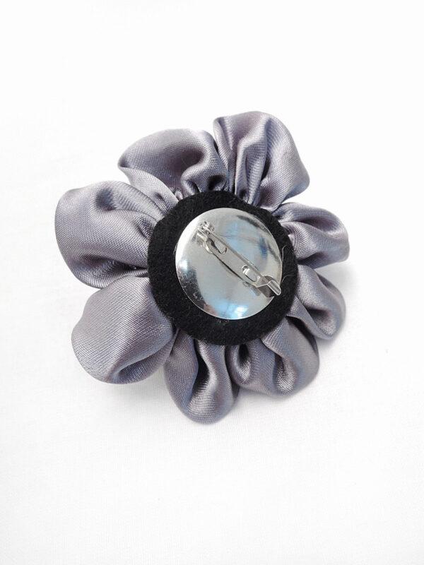 Брошь серый атласный цветок с булавкой (p0235) - Фото 7