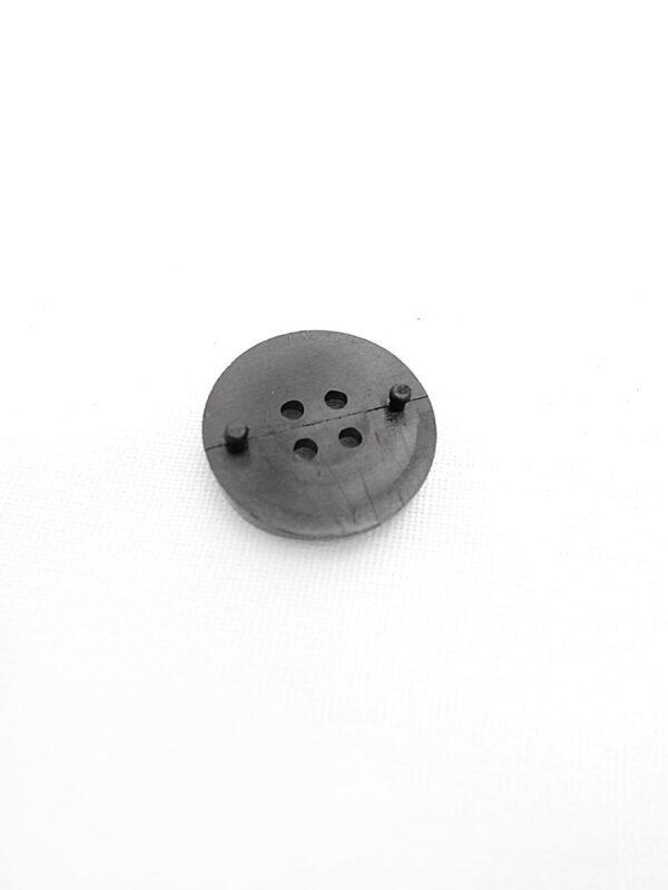 Пуговица пластик черная на четыре прокола (p0250) к21 - Фото 7