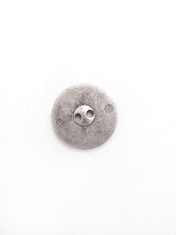 Пуговица металл поцарапанное серебро на два прокола (p0259) к1 - Фото 7