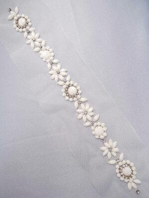 Аппликация пришивная белая со стразами и бисером на сетке (t0299) К-броши и декоры2 - Фото 18