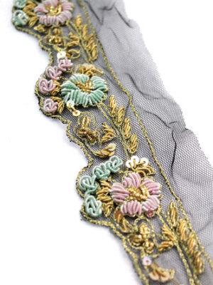 Тесьма с вышивкой золотые мятные розовые цветы на черном (t0300) - Фото 15