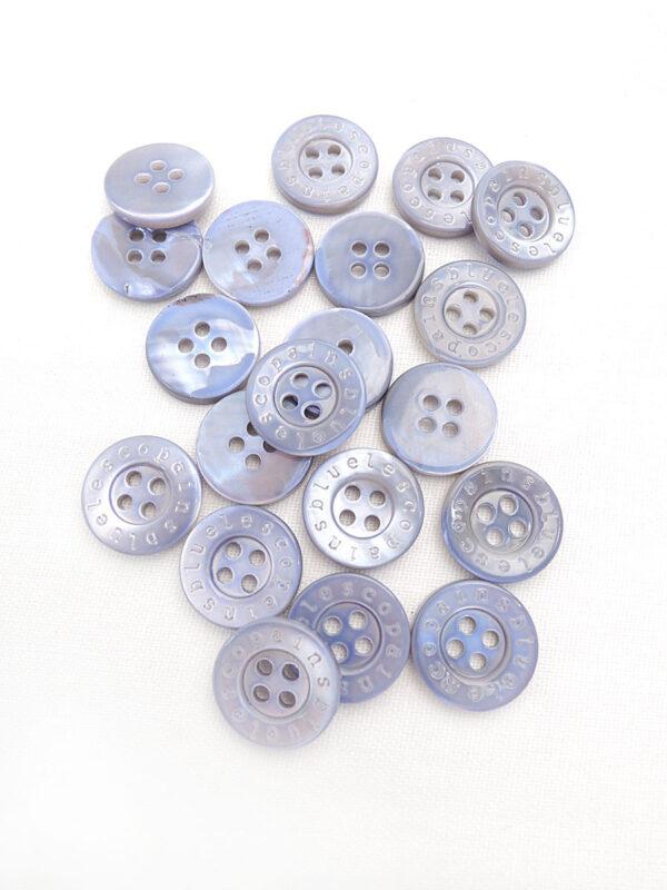 Пуговица пластик рубашечная сиреневая с надписями (р0455) - Фото 8