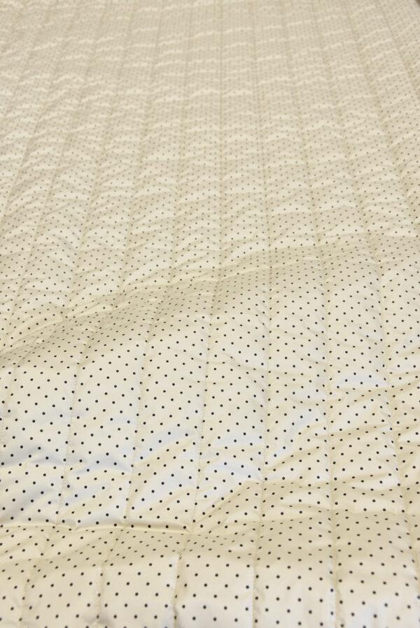 Курточная стеганая ткань беж в мелкий черный горошек (5388) - Фото 6