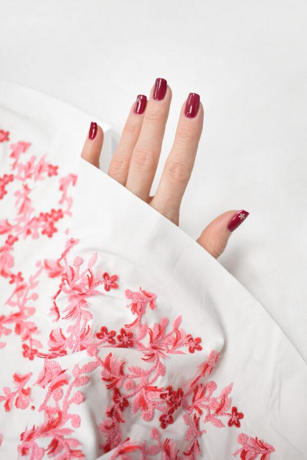 Трикотаж с вышивкой красные цветы на белом фоне (8193) - Фото 7