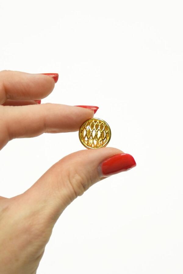 Пуговица металл золото маленькая 3