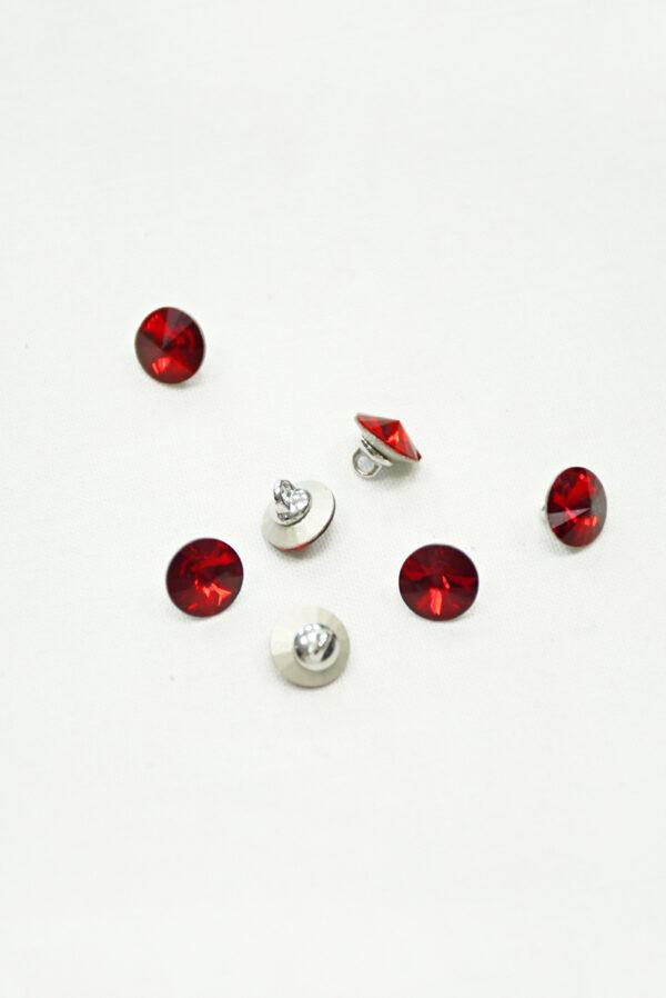 Пуговица маленькая с красным кристаллом Сваровски 2